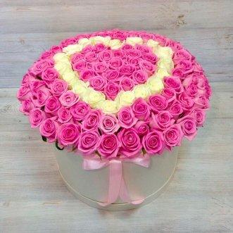 101 розовую розу в коробке