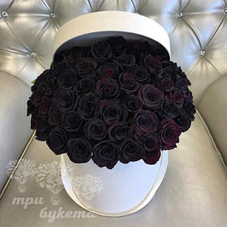 51 черная роза в шляпной коробке