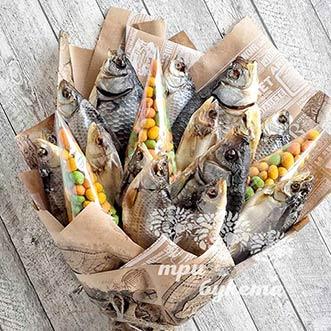 Букет из рыбы и арахиса в глазури